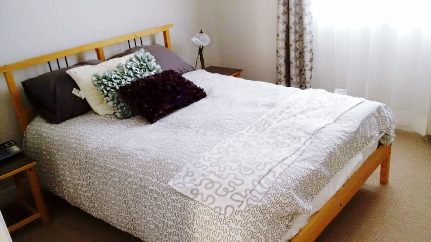 2 bed 2 FULL bath luxury bungalow - Ottawa - Bungalow