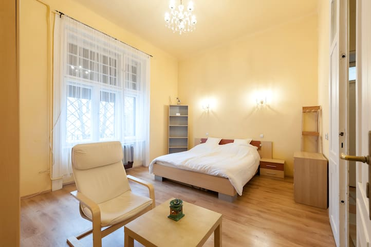 Sarah Private Room - DoubleBed for 2