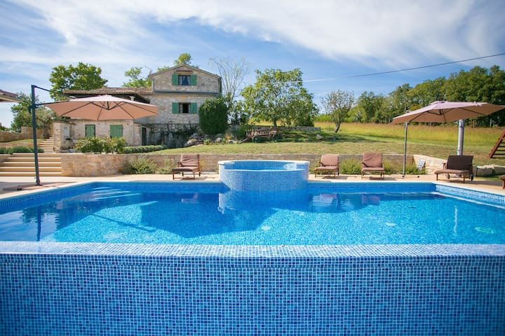 Unique Villa Bošket with Pool and Jacuzzi surrounded by Nature