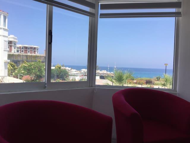 Kyrenia Beach Bungalow