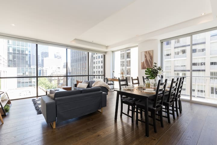 Spacious Collins St Penthouse   Iconic CBD Views