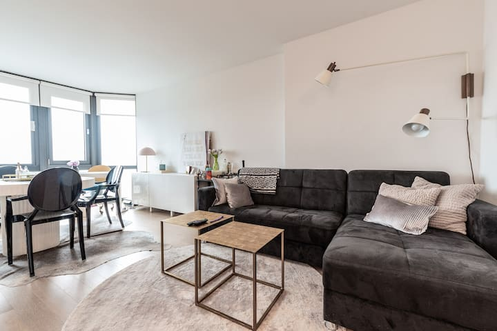 Chic Studio in Tribeca (For month of April 2019)