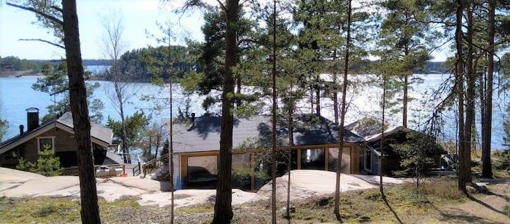 Beautiful Seaside Villa; NEW Glass House 70 m2
