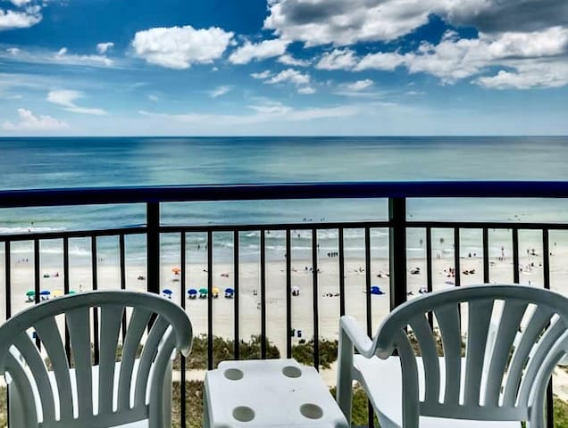 Oceanfront Condo , Great Location