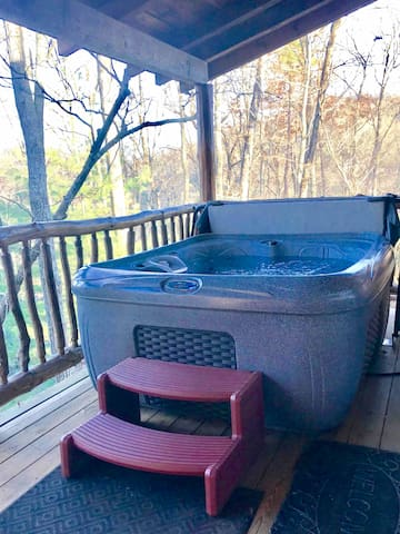 Enjoy the Mountain View's as you soak in a private 4 person hot tub.
