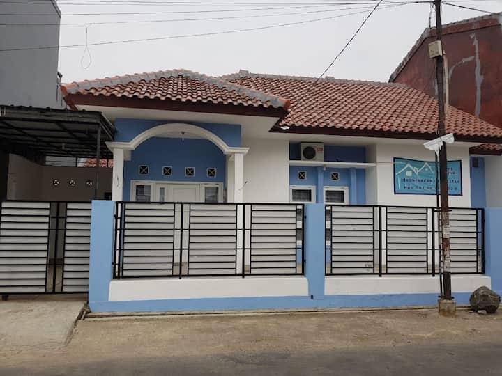 Rumah Nyaman dan Tenang Dekat Pusat Kota Cirebon