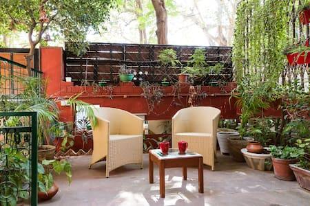 Quiet Comfort amidst Green Surroundings - New Delhi