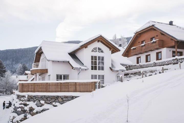 Villa Dorothea im Feriendorf Aineck Katschberg