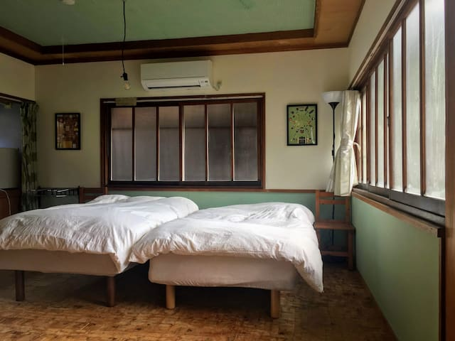 サクラハウスー高知駅から車で30分で山の中 家族が暮らす家ー