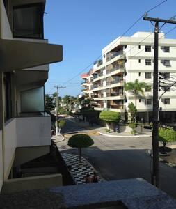 Apartamento 2 quarteirões da praia da Enseada