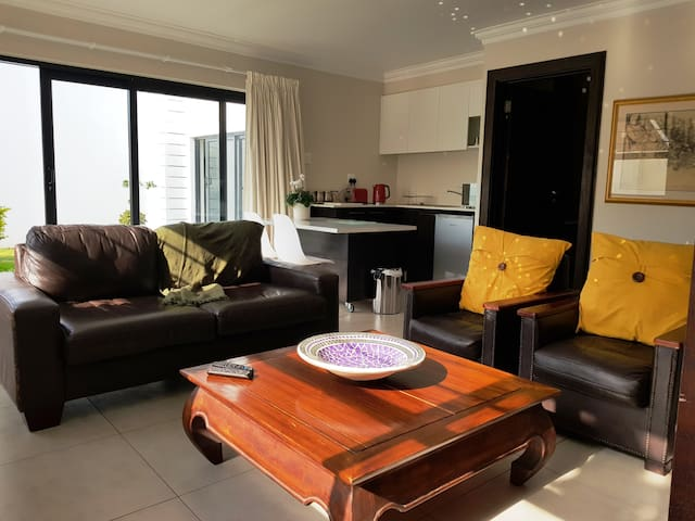 Summerstrand-Stay Luxury Apartment