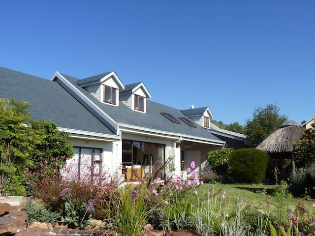 Pam's Loft Space, Private Room, Krugersdorp, JHB - Krugersdorp