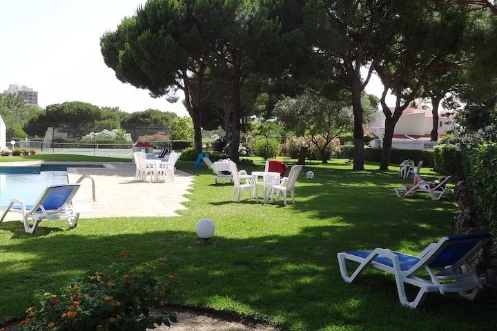 """Feel Algarve""-Golf and Beach House in Vilamoura"