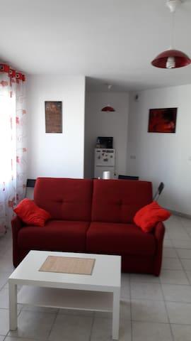 Grand studio agréable proche centre ville Vienne