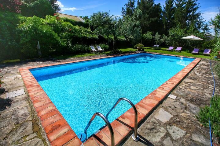 Acogedor apartamento en Subbiano Toscana con piscina