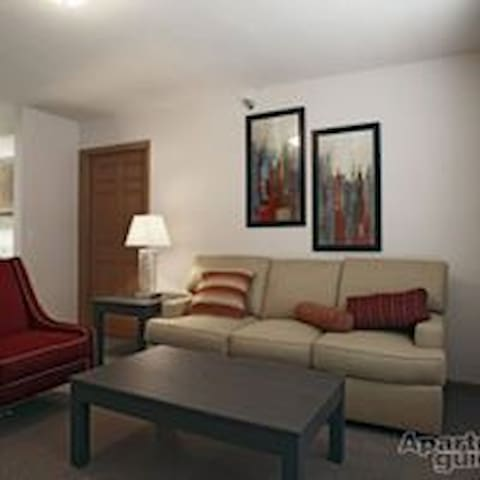 Furnished apartment in Columbia City, IN