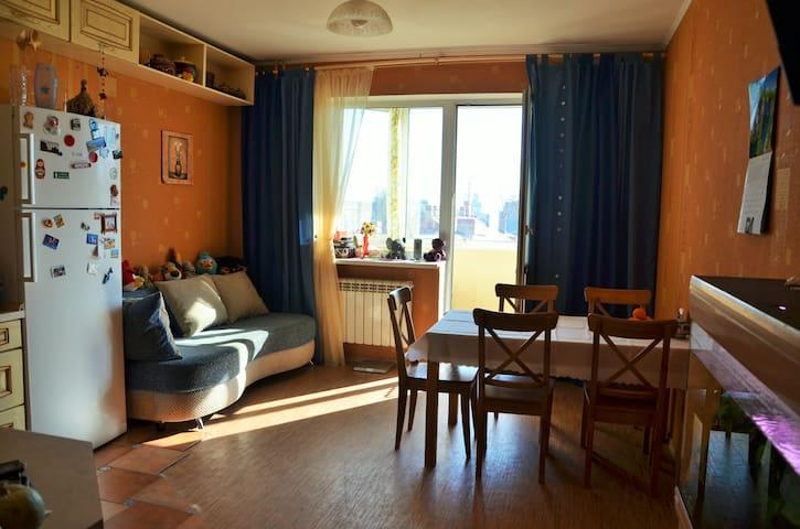 100 нестандартных метров на 6 чел-к - Lomonosov - Apartment
