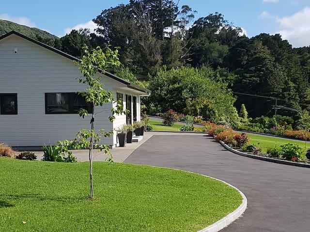 Birchgrove cottages - 2 br Family unit