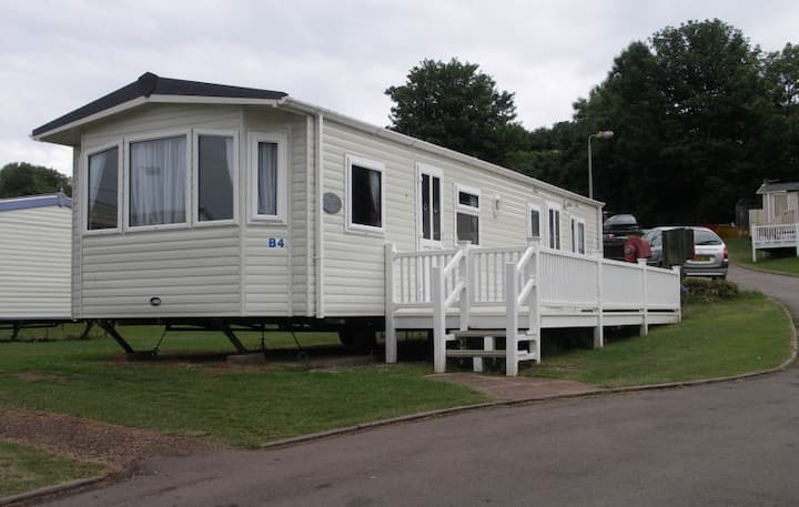 Caravan B4 Southbay Holiday Park