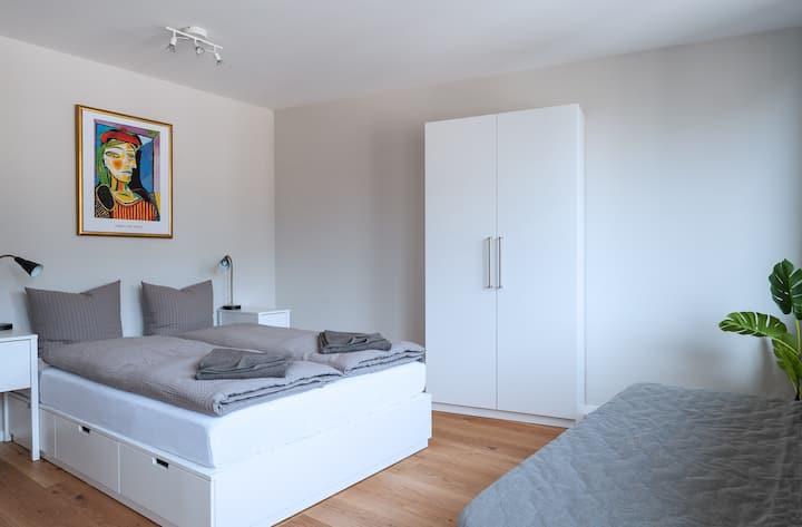 Studio Apartment Picasso II