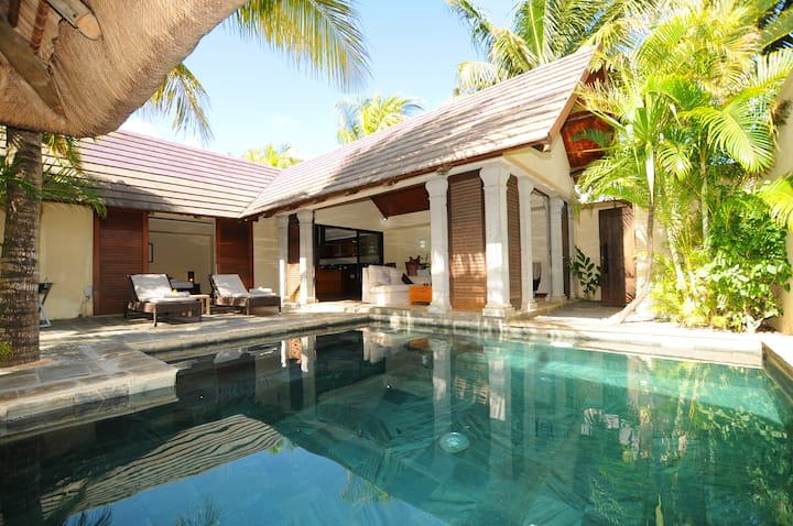 Oasis Villa 7 with 100% privacy on pool and garden