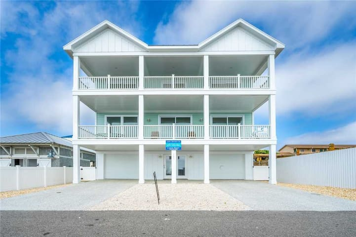 A Pier View:  Gorgeous Oceanfront Home, Pool, Great Location by Kure Beach Pier, Brand New Construction!