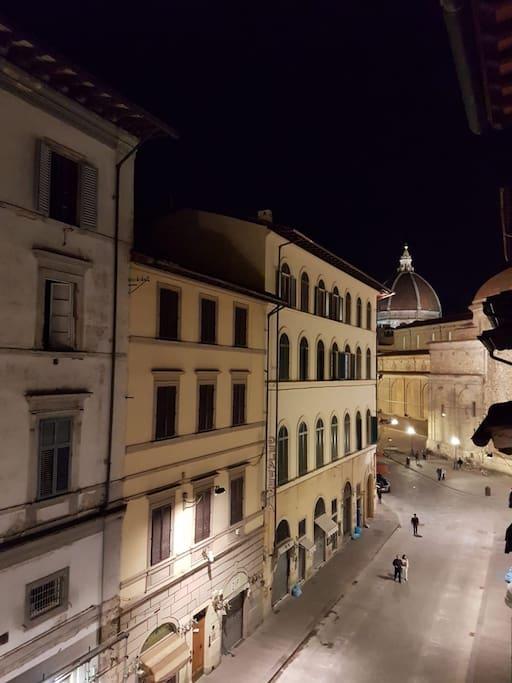 Vista Duomo by night dal living room di casa....