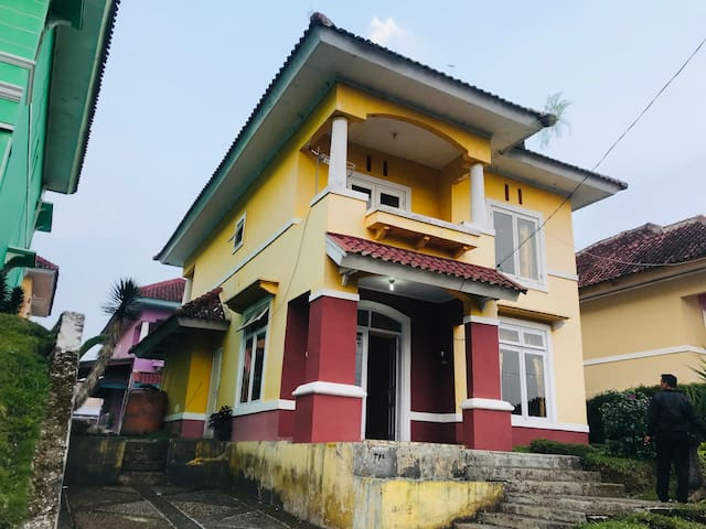 Villa Puncak Bukit Cipendawa C13