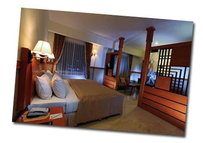 Hotel Palm Banjarmasin - Banjarmasin Barat - Aamiaismajoitus