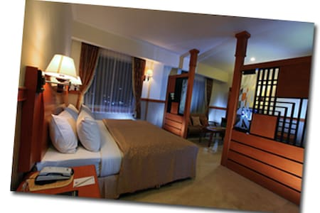Hotel Palm Banjarmasin - Banjarmasin Barat - Bed & Breakfast