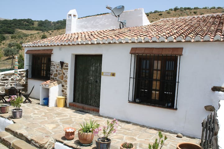 Idyllic Casita adjacent to farmhouse with pool - Villanueva de la Concepción - Huis