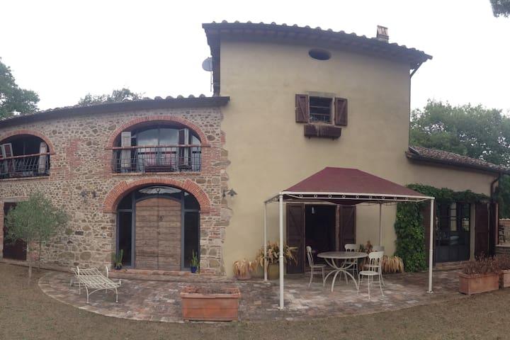 Villa B&B nella bellissima Umbria - Città di Castello - Casa de camp