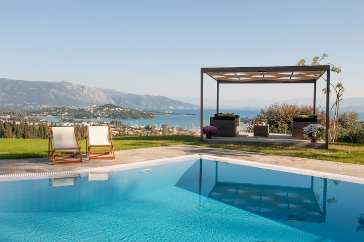 Villa with a private pool and wide sea view