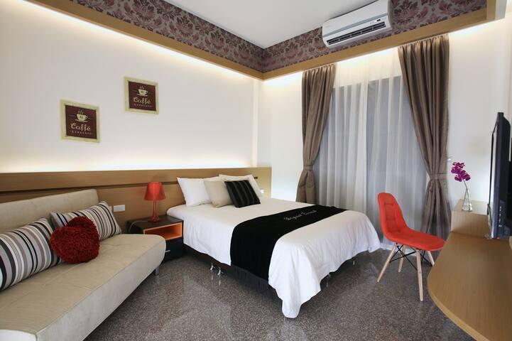 溫馨舒適包棟民宿2人~4人套房共4間 - Luodong Township - Huis