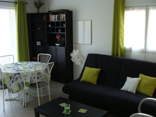 """""""Au temps présent"""" Appartement zen et lumineux - Oraison - House"""
