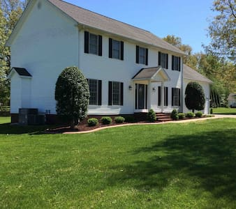 Welcome Quilters - Entire Home 5BR, 3 1/2 Ba
