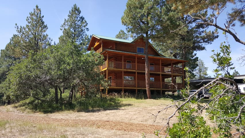 Secluded Cabin on Private Lake - Pagosa Springs
