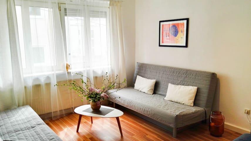 Comfortable apartment near main station + river★