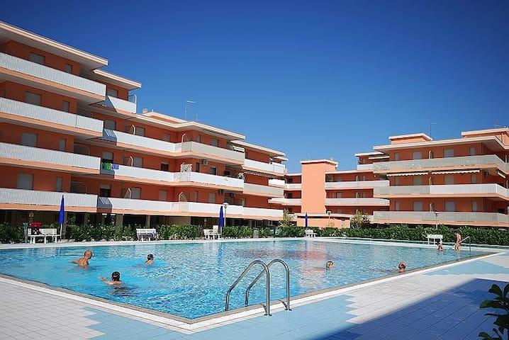 Residence Valbella a Bibione, piscina, parco giochi, clima