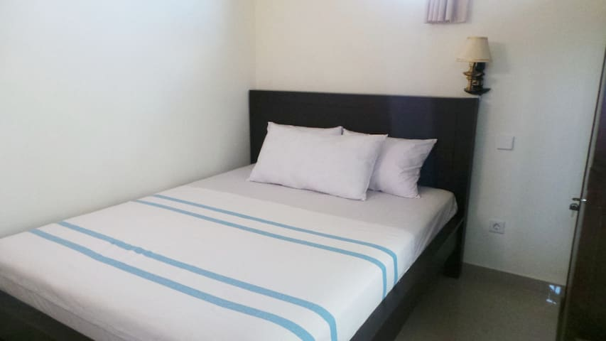 Lovely Home stay Close To Beach and Airport