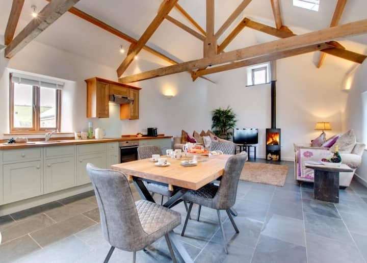 Stylish Converted Cornish Barn