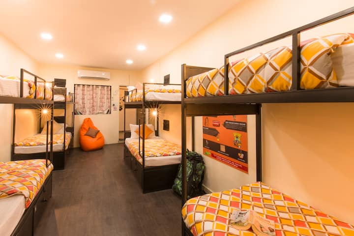 A Bed in 8 Bed Female Dorm in Mumbai
