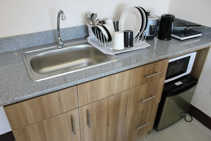 Granite Kitchen Counter Top to prepare your sumptuous meals!