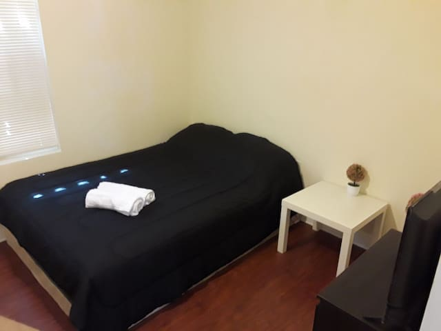 Private room 10min from Hollywood beach