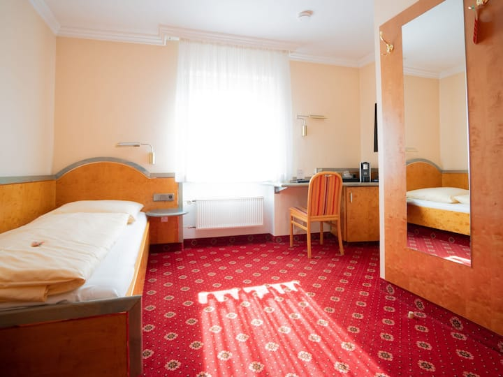 Hotel Adler - Paulas Alb, (Ehingen/Donau), Einzelzimmer Economy