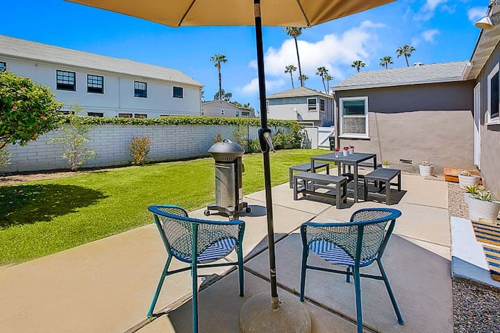 25% OFF MAR/APR - Perfect Family House, Walk to Beach  More, A/C, Large Yard