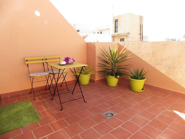 One Bed apt. in authentic Spanish seaside town
