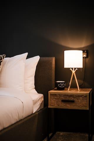 Modern Refurbished Luxury Apartment