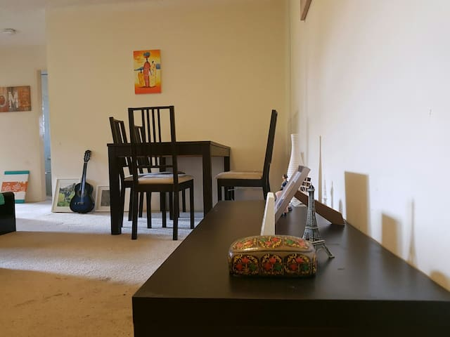 Cozy  Two Bedroom - Ryde - Apartment