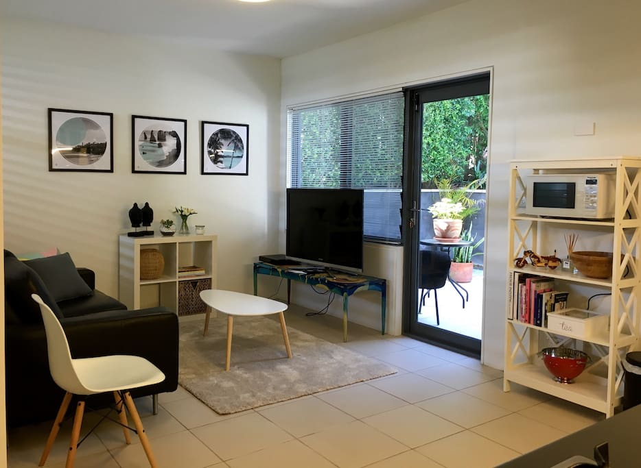 Easy living, with Foxtel T.V, wifi  and private courtyard for alfresco dining